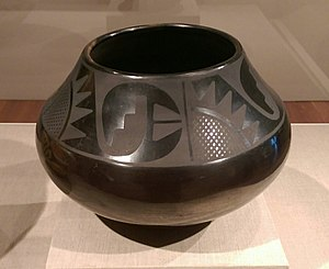 Maria Martinez - A pot by Maria Martinez, approximately 1945, at the de Young Museum in San Francisco