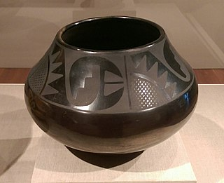 Black-on-black ware Type of Native American pottery