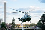 Marine One Lands on the South Lawn (32572473777).jpg