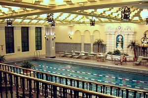 InterContinental Chicago Magnificent Mile - Fourteenth-story pool