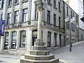 Mercat Cross, High St, Dunfermline.jpg