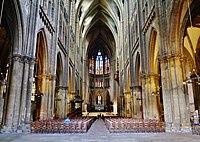 Metz Cathédrale St. Étienne Innen Langhaus Ost 3.jpg