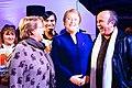 Michelle Bachelet y el actor Óscar Hernández.jpg