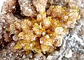 Mimetite-Smithsonite-155832.jpg