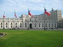 El Palacio de La Moneda es la sede del Presidente de la República, el jefe de estado y gobierno de Chile.