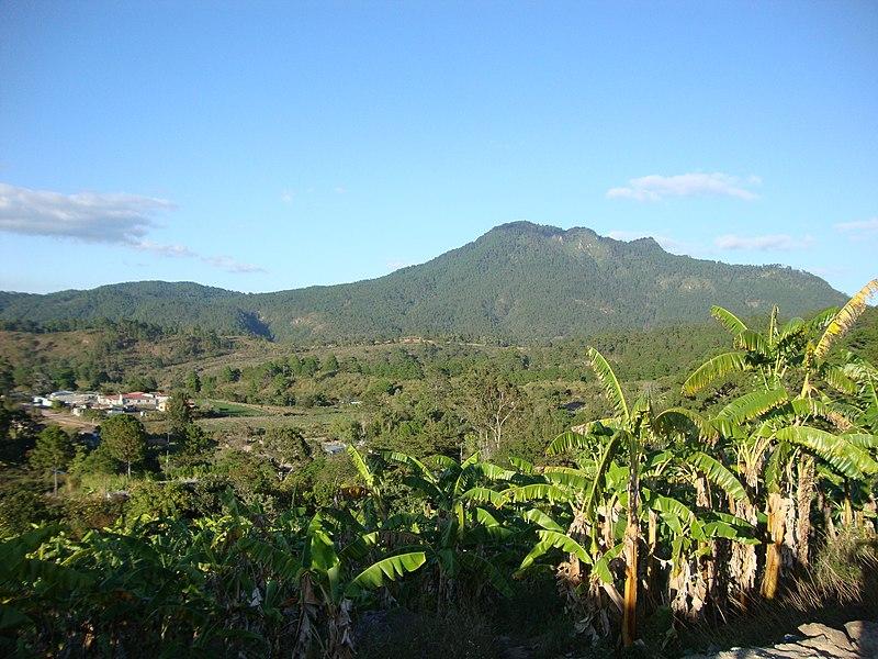 File:Montaña de Uyuca.jpg
