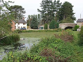 Montgomery Canal Bridge No.100 - geograph.org.uk - 575421.jpg