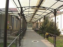 Monza-Ospedale-San-Gerardo-vecchio-pensilina.jpg