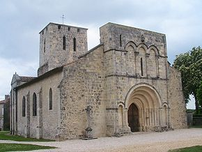 Moulis Church 33 France.jpg