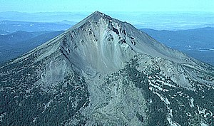 Volcanic Legacy Scenic Byway - Image: Mount Mc Loughlin aerial