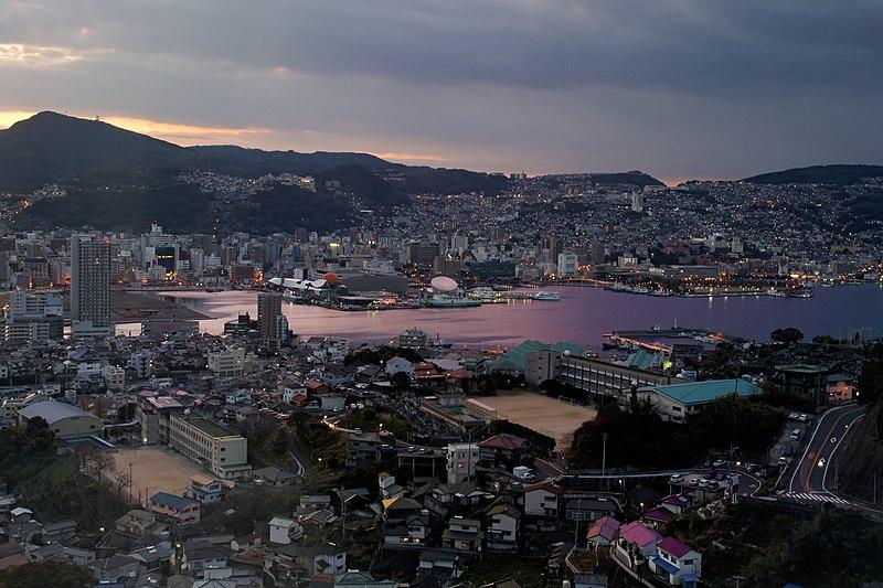 800px-Nagasaki_City_view_from_Mt_Inasa02s5.jpg