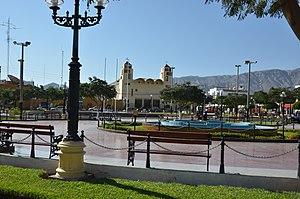 Nazca - Image: Nasca Plaza de Armas panoramio