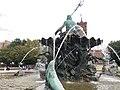 Neptunbrunnen 009.jpg