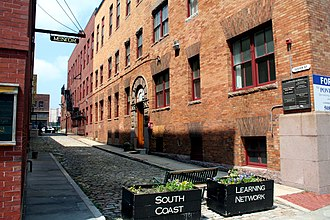 New Bedford Whaling National Historical Park - Image: New Bedford Whaling National Historical Dover St 2006