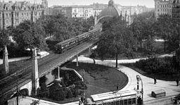 Nollendorfplatz, Max Missmann (1874–1945) [Public domain], via Wikimedia Commons