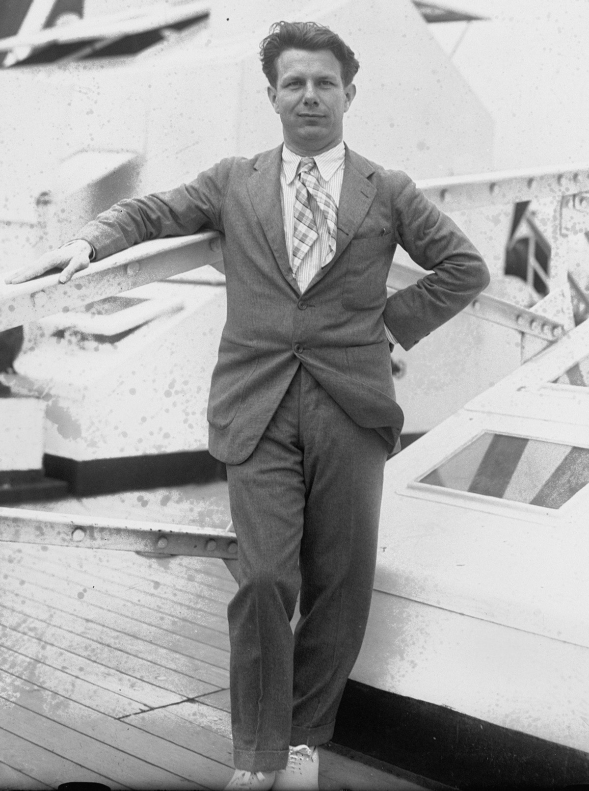Norman Bel Geddes - Wikipedia