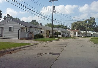 Norwayne Historic District - Streetscape with single family houses