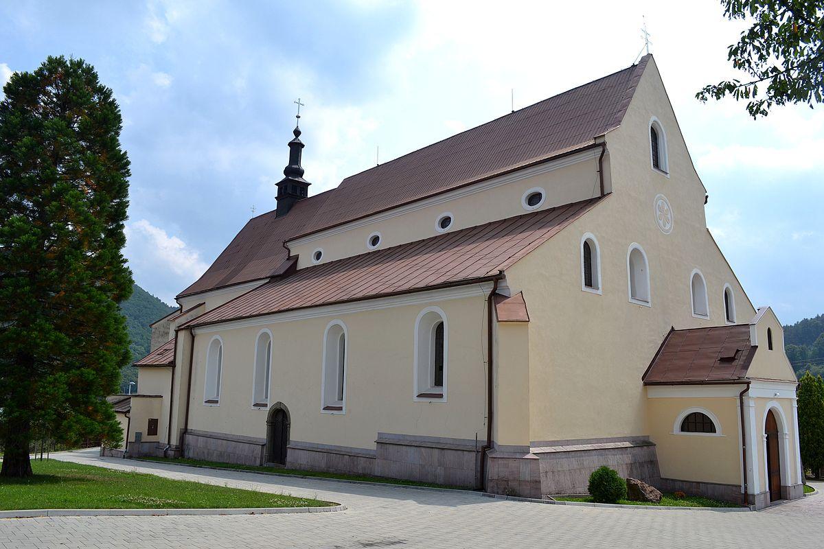 Nová Baňa kostol 01.JPG