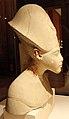 Nuovo regno, XVIII dinastia, busto di akhenaton, calcare con tracce di pittura, 01.JPG