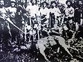 Oberá - Primeros pobladores unidos en una cacería.jpg
