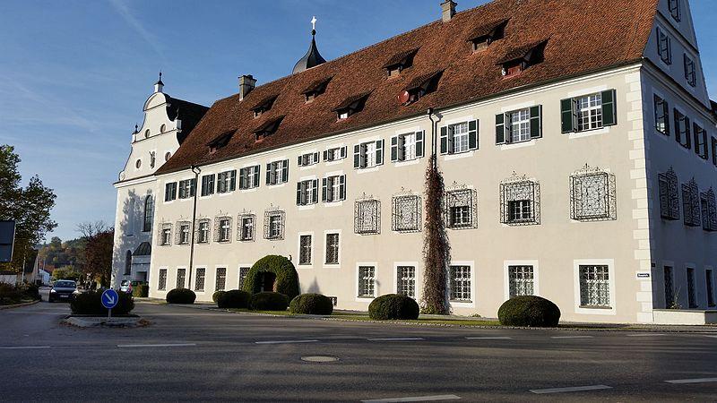 File:Ochsenhauser Pfleghof .jpg