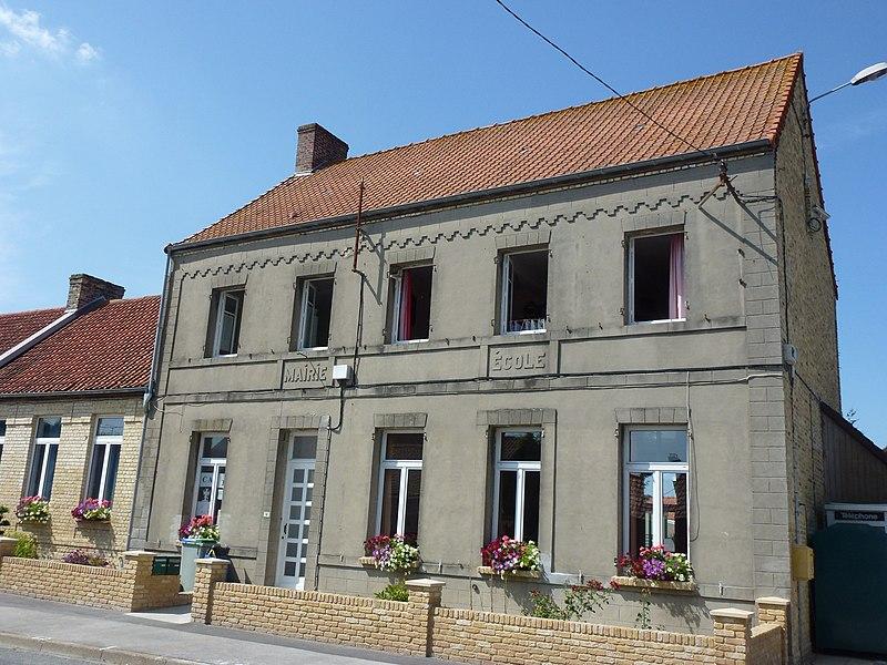 Offekerque (Pas-de-Calais) ancienne mairie - école