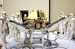 In the Payload Hazardous Servicing Facility, t...