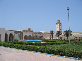 Outside the medina (2901290297).jpg