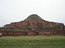 Rovine del Vihara Buddista a Paharpur, Bangladesh