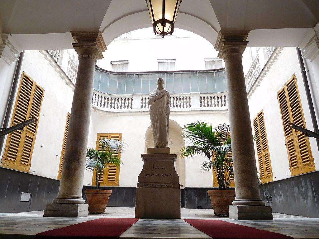 Cour du Palazzo Bartolomeo Invrea à Gênes - Photo de Superchilum