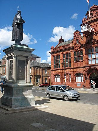 Jarrow - Image: Palmer Statue overlooking Jarrow Town Hall geograph.org.uk 1596898