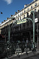 Paris Métro Quatre-Septembre 905.jpg