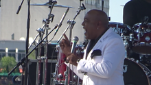 Peabo Bryson performing in Louisville, KY 2016.png