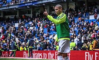 Pepe (footballer, born 1983) - Pepe warming up during the 2015–16 season