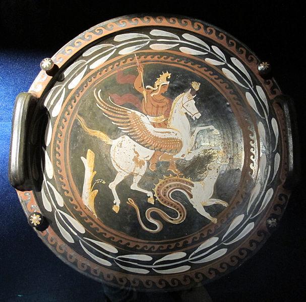 File:Pittore di baltimora (apulia), piatto con chimera e bellerofonte su pegaso, 350-300 ac ca. (depositi M. Naz. romano).JPG
