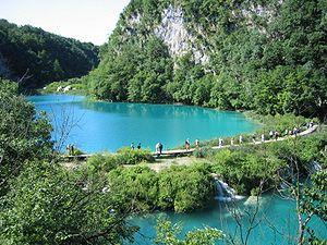 Plitvice Lakes National Park - Paths between the lakes