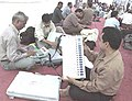 Polling officials collecting Polling materials in Lucknow, Uttar Pradesh on May 4, 2004.jpg