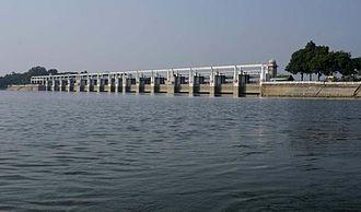 Poondi reservoir - Image: Poondi Reservoir with water capacity