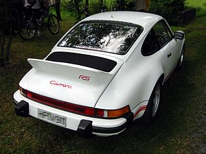 Overhang (car) - Rear-engined 911: engine's center of mass is concentrated within the overhang, outside the wheelbase.