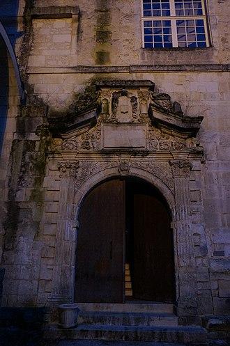 Sainte-Marie-des-Dames - Image: Porte conservatoire 04432