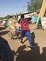Pousse pousse transport à N'Djamena.jpg