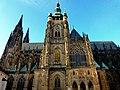 Prag - Veits-Kathedrale auf dem Hradschin - von Süden - Praha - Víta na Pražském hradě - z jihu - panoramio.jpg