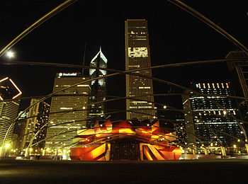 English: Pritzker Pavilion looking north at ni...
