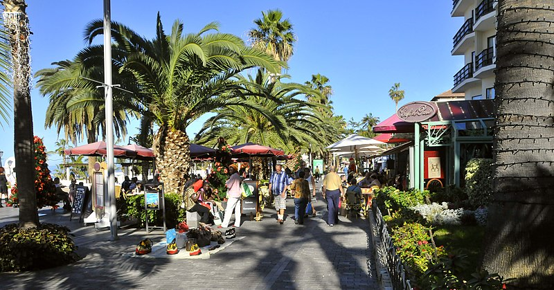 Datei:Puerto-Cruz-Martianez.Promenade-CTH.JPG