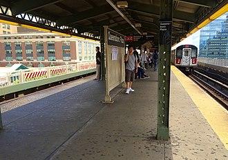 Queensboro Plaza (New York City Subway) - Upper-level platform
