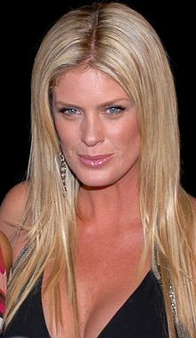 Rachel Hunter at Slim-Fast Fashion Show 4.jpg
