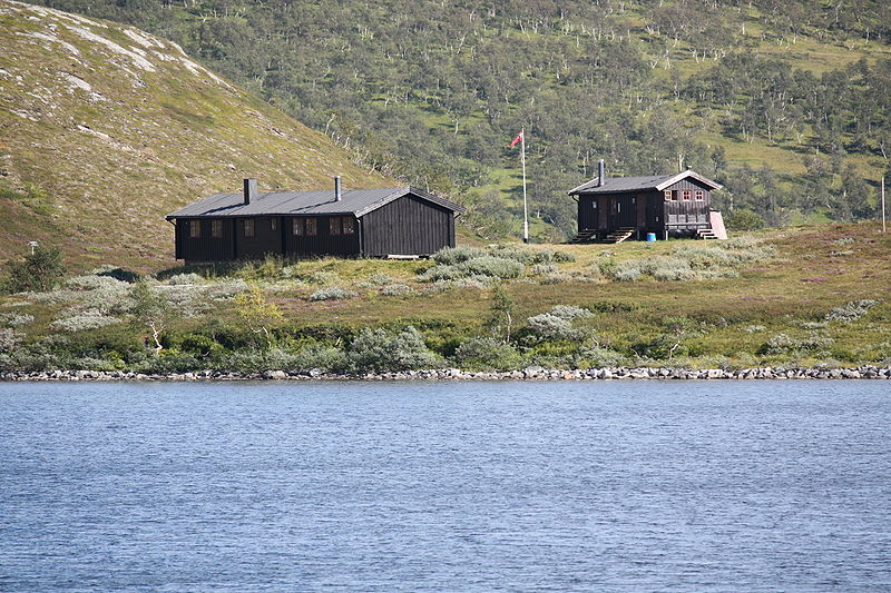 File:Ramsjøhytta aug 2008.JPG