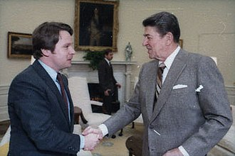 Chris Smith (New Jersey politician) - Smith with President Ronald Reagan in 1985