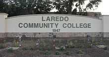 Revised Laredo Community College sign IMG 7516.JPG