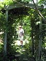 Richard through the arbour (4651441612).jpg